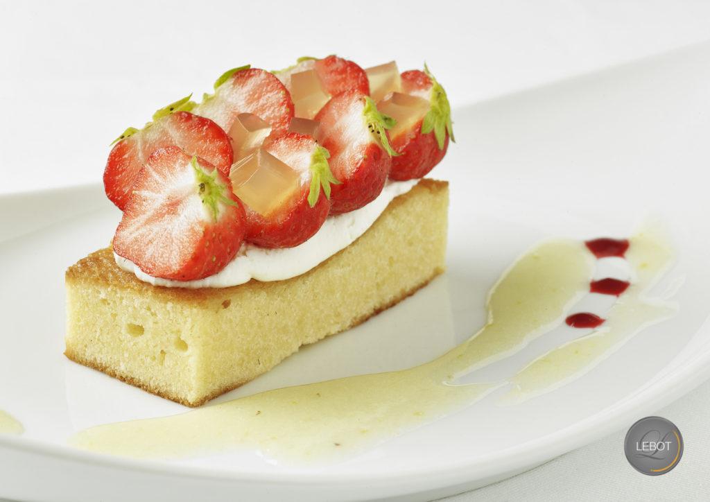 Gâteau nantais aux fraises
