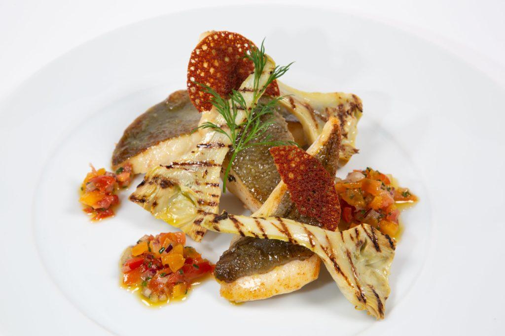Traiteur Lebot - plat - repas assis - St-Pierre et artichaut barigoule